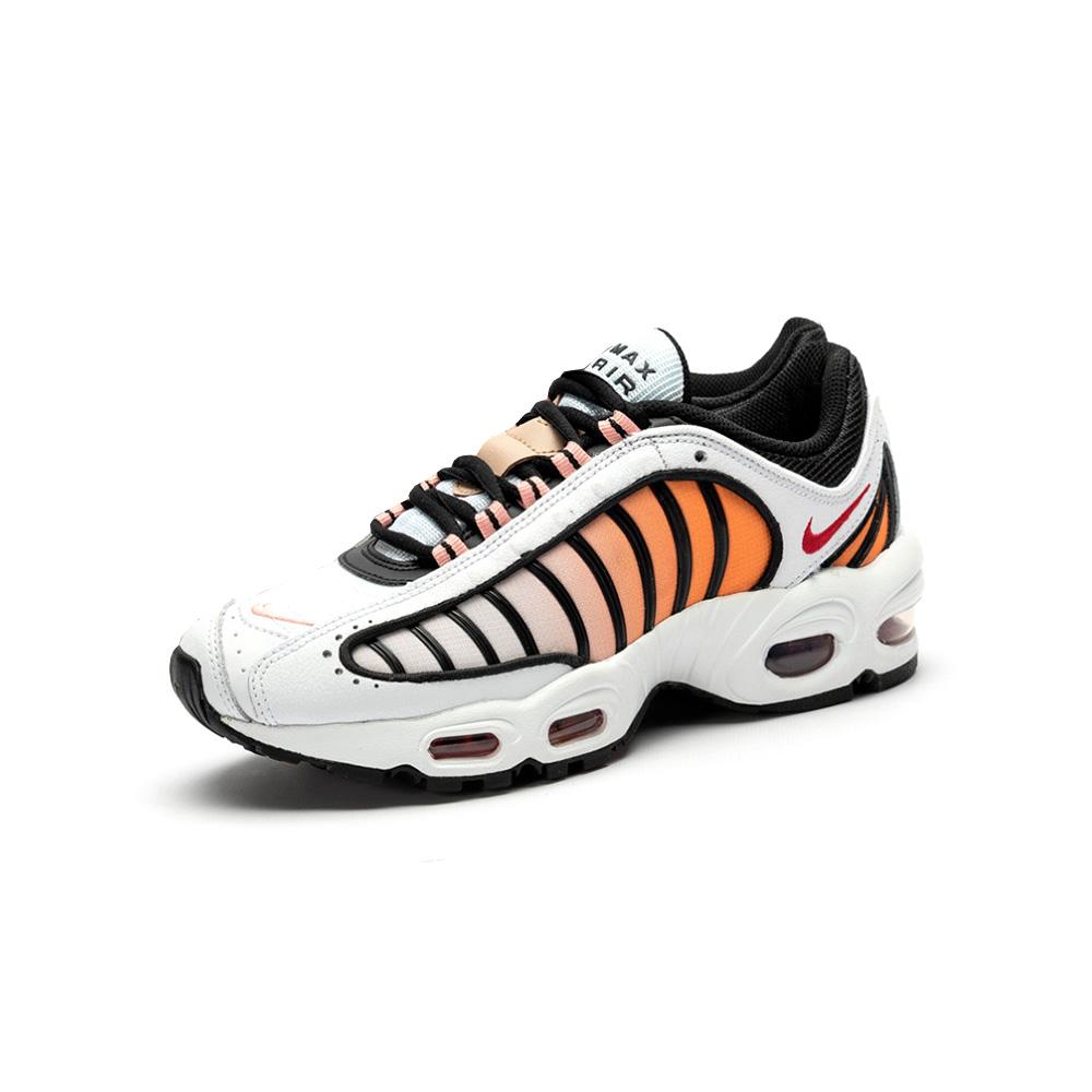 Trouva Weiß Gym Rot Schwarz Koralle Sternenstaub Nike Air Max Rückenwind Iv Sneaker