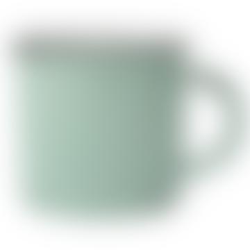 Tasse en fer blanc d'inspiration vintage vert pâle