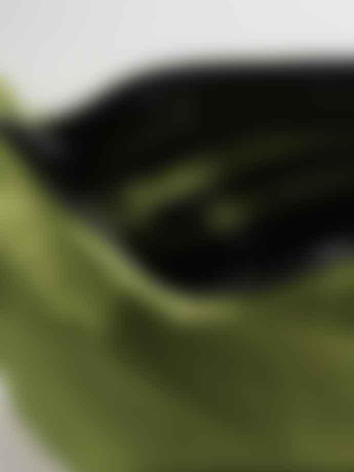 Baggu Medium Nylon Crescent Bag - Green Apple