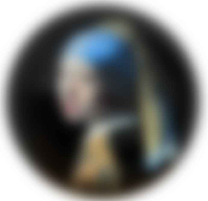 Dartington Crystal Vermeer Girl with the Pearl Earring Paperweight