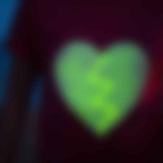 Little Mashers Glow In The Dark Interactive T-Shirt - Heart Design Pink