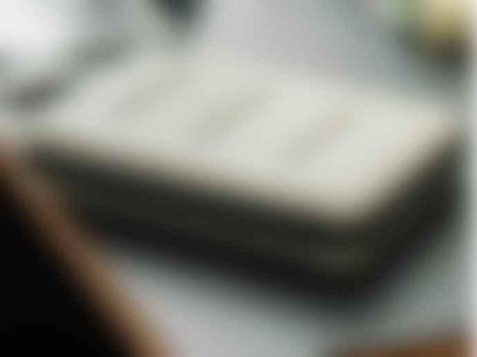Nähe Hard Shell Laptop Case Ivory