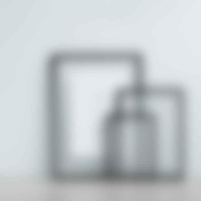Moebe Frame A4 Aluminium Black