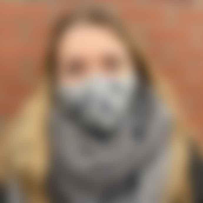 Sjaal met Verhaal Grey Sitting Cats Face Mask