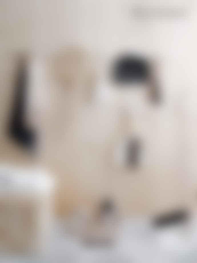 Iris Hantverk Tall Broom and Dustpan Set White