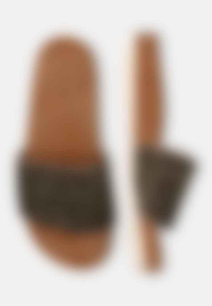 Maruti  Berlin Slider Pixel Black