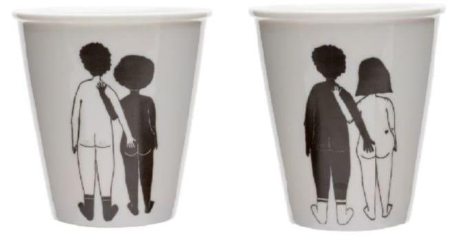 Schwarzer Kerl 2 schwarze Mädchen